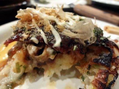 広島風お好み焼き「田平」のお好み焼きの断面